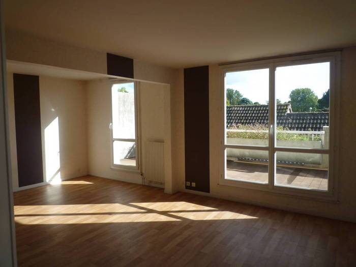 Location Appartement Roissy-En-Brie (77680) 70 m² 980 €