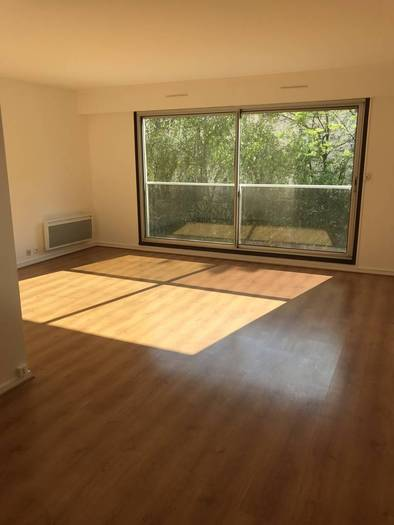 Location Appartement Paris 20E 58 m² 1.590 €