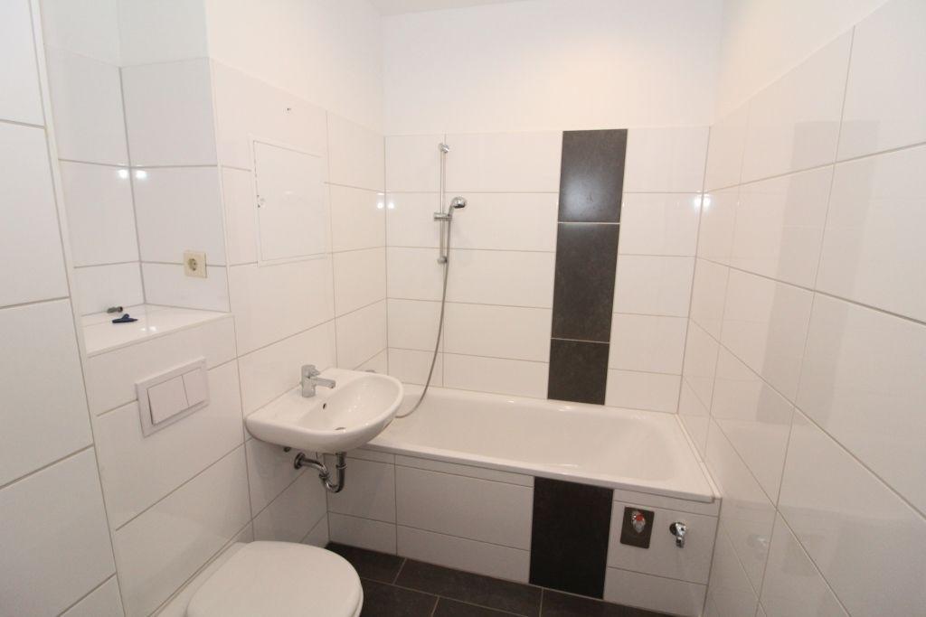 3 Zimmer Wohnung Zu Vermieten Strasse Der Volkerfreundschaft 121