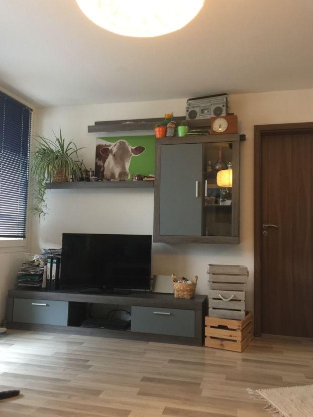 Wohnzimmer -- Schicke 2 Zi-Wohnung, ruhig, modern renoviert