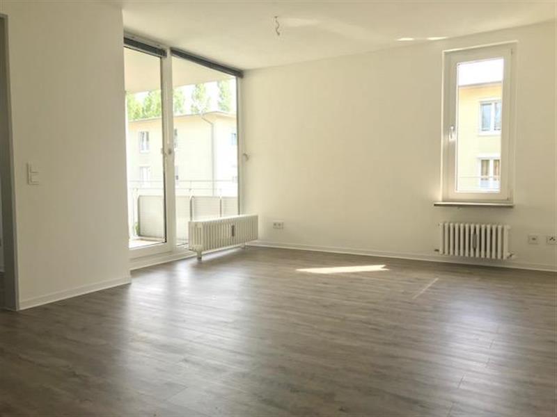100 TITELBILD -- Ein Traum für Familien! Vollständig sanierte 3-Zimmer-Wohnung mit großem Balkon in Obermenzing
