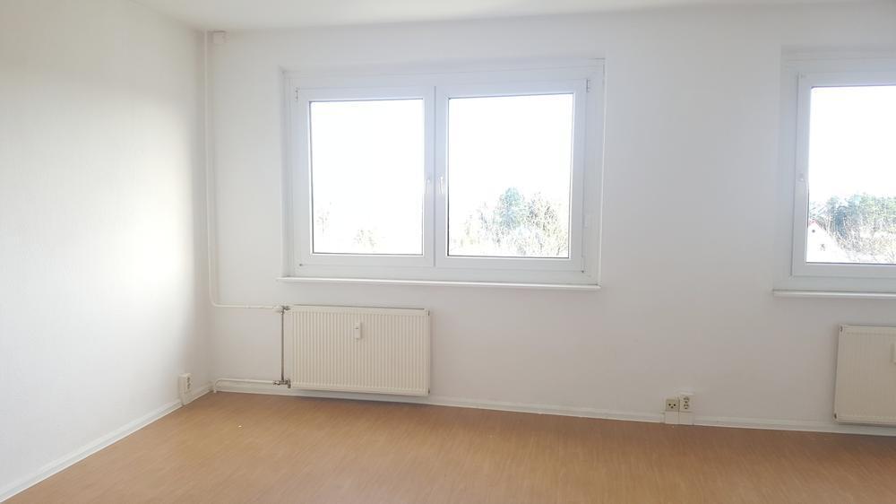 Wohn- und Schlafzimmer -- Singles aufgepasst - günstige und tolle 1-Raum-Wohnung in Grünau-Nord