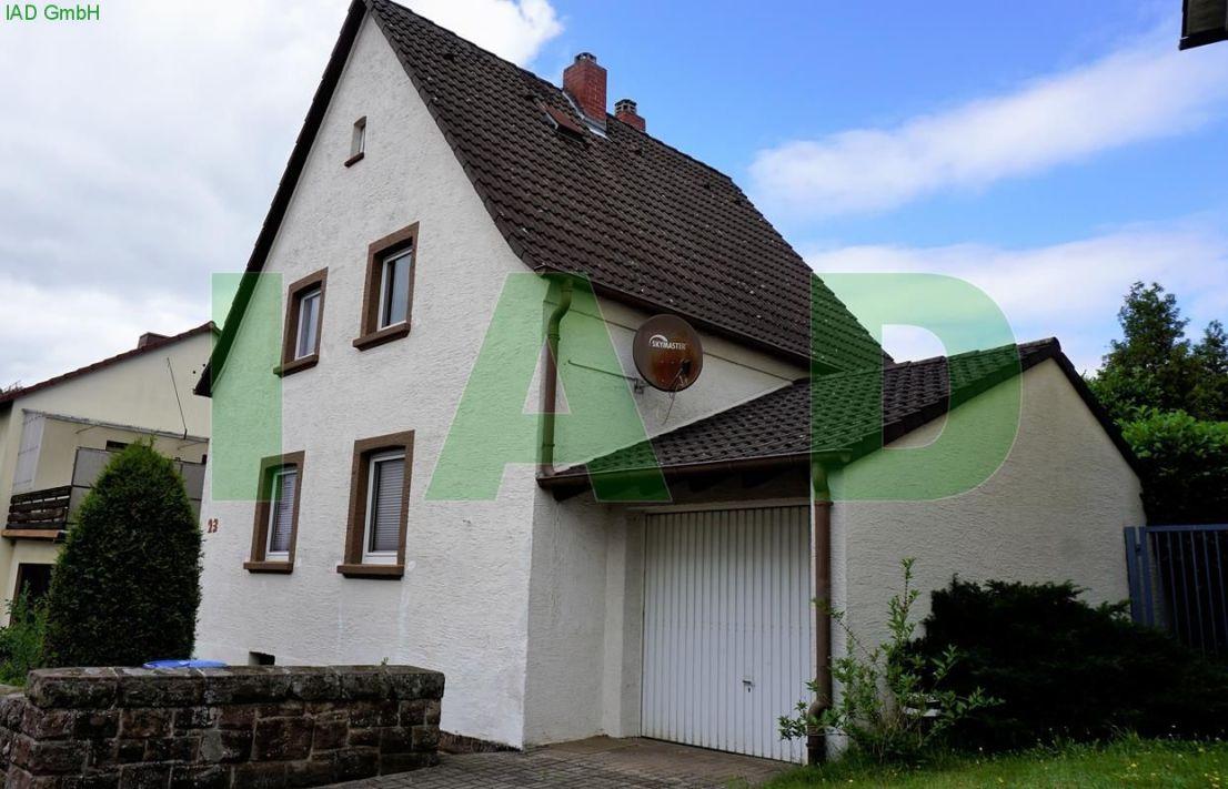 Hausfront -- Freistehendes EFH, 4-5 Z / K / 2 B, Garten, Garage