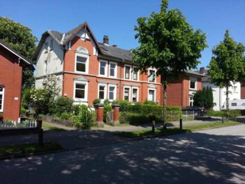 Ansicht -- Schöner und renovierter Altbau bestehend aus 2 Wohnungen - Courtage 4,5 %