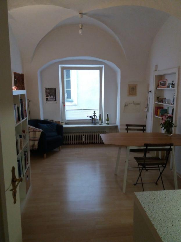 Wohnzimmer -- Schöne zwei Zimmer Wohnung in Passau, Altstadt
