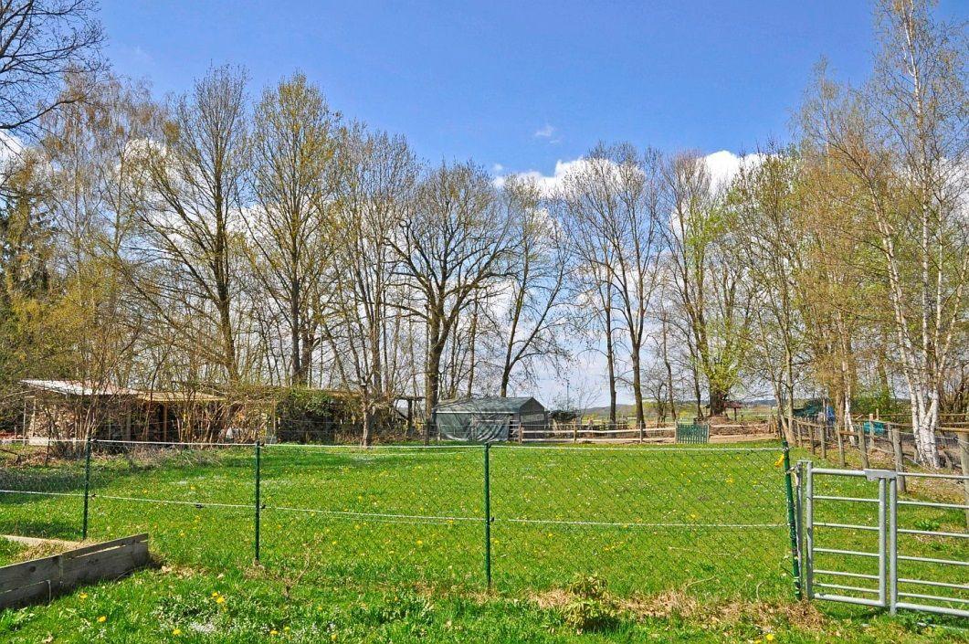 Baugrund -- Großes Grundstück m. genehmigter Bauvoranfrage für ein EFH o. ein Doppelhaus (2 DHH) ruhige SW-Lage