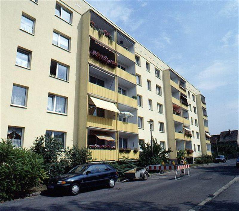 200 AUSSENANSICHTEN -- Schöne 2 Zimmerwohnung mit Balkon!