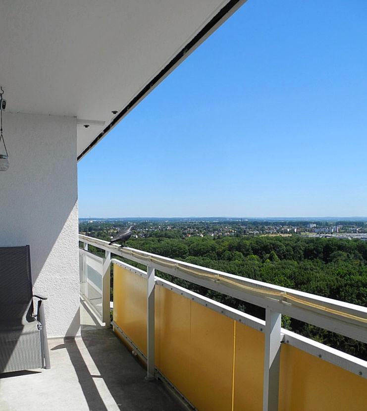 Südbalkon ganz oben!!! -- **Ganz oben !!!** Sonnige Wohnung mit Aussicht- auf Wunsch bezugsfertig NEU - PKW-Stellplatz