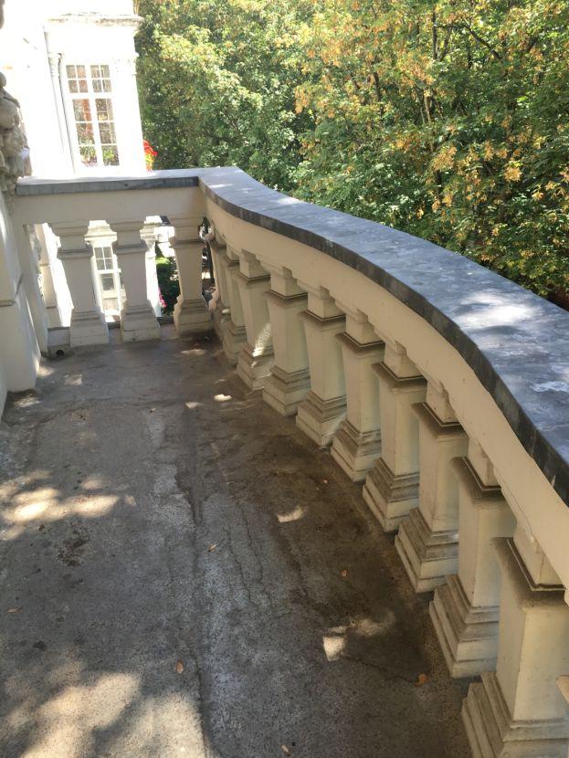 Balkon -- Schöne 1-ZKB Wohnung mit Balkon-im Altbau!!