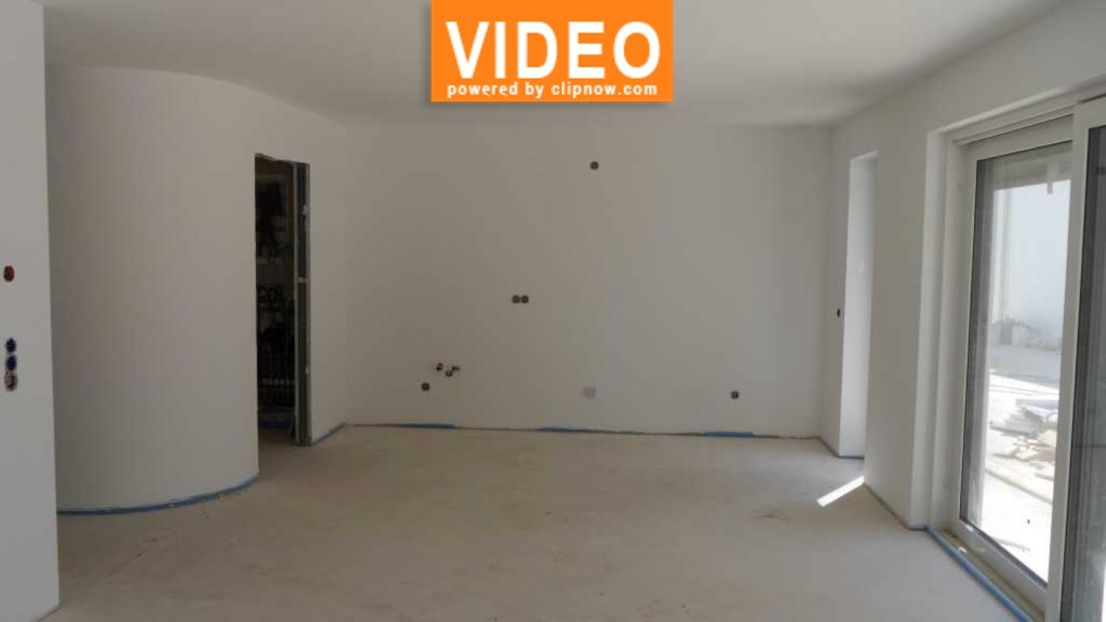 Wohn / Esszimmer mit offener K -- Neubau: Barrierefreie Erdgeschosswohnung, gehobene Austattung, Terrasse und Garten (B2) in Wörrstadt