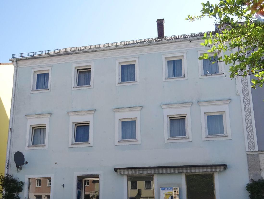 Hausansicht -- Schönes Marktplatzhaus in Ortenburg