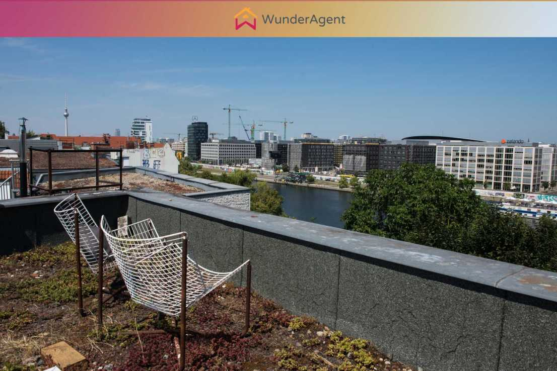 Dachterrasse -- Move in! Unique apartment with 150m² roof garden with view on the Spree