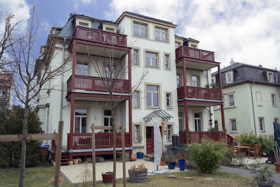 Ansicht Garten -- Wohnen in Laubegast in einer 3-Zimmer-Wohnung mit Balkon und Einbauküche
