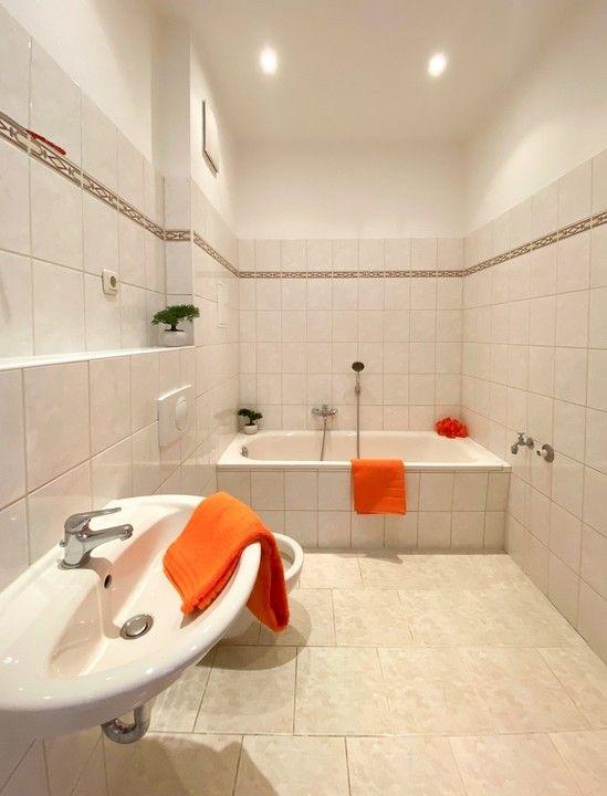Bad -- +++Helle 2-Zimmer-Wohnung mit Wannenbad++++