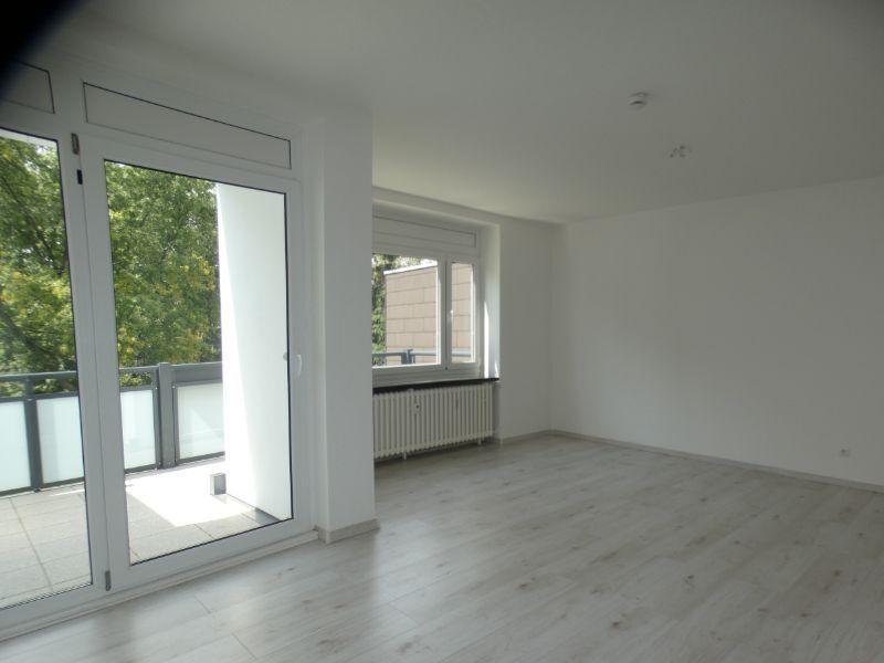Titelbild -- +++ 3 Raumwohnung mit Balkon in Wanheim-Angerhausen +++