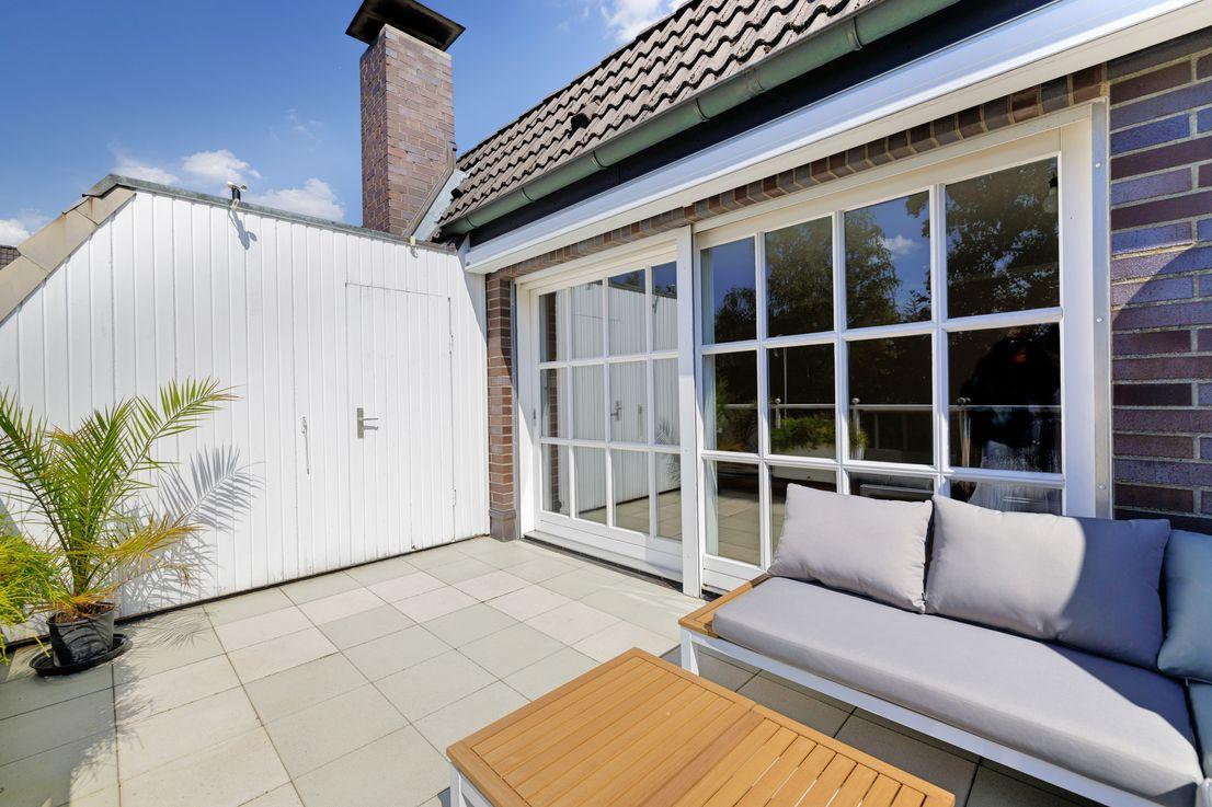 Dachterrasse -- Wohnen in gefragter Top-Lage: Sonne, Ruhe und Komfort am Niendorfer Gehege