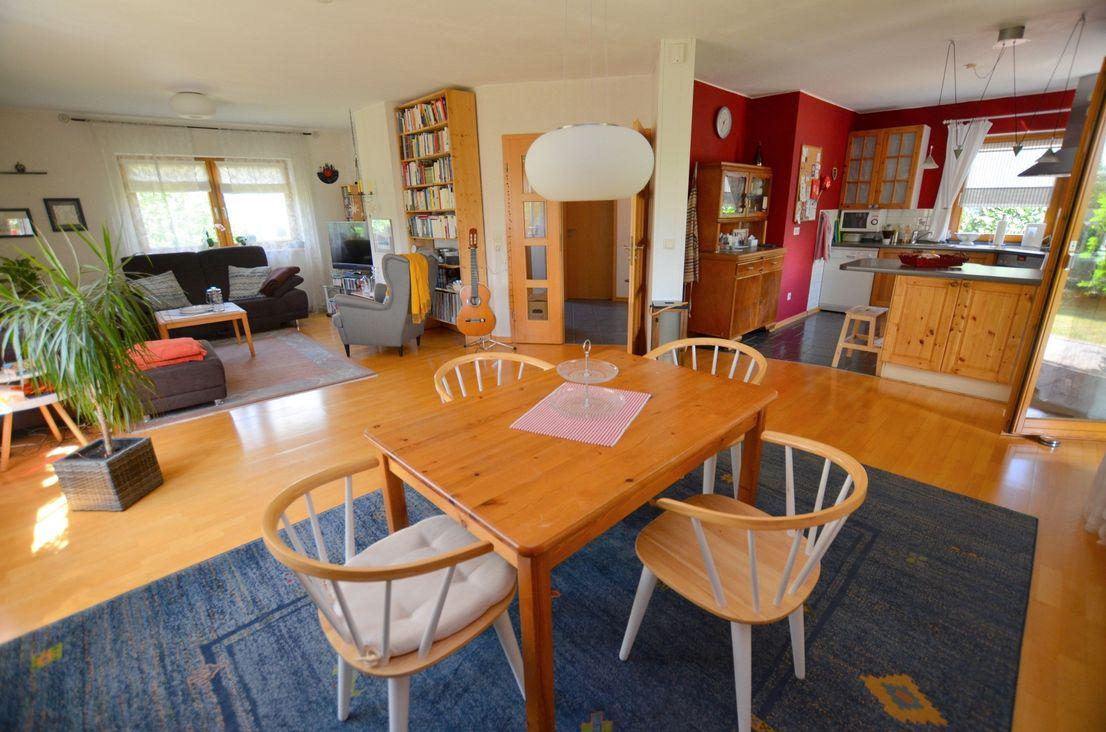 Offener Wohn- und Essbereich -- Hier macht wohnen einfach Spaß!