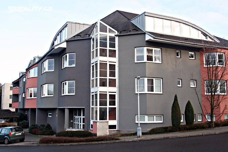 Pronájem bytu 2+kk 57m², Kmochova, Hostivice