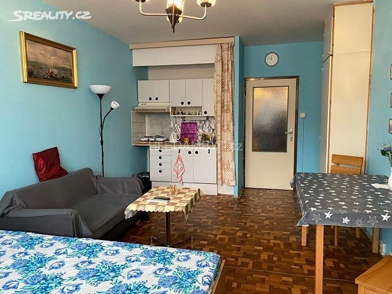 Pronájem bytu 1+kk 38m², Bukolská, Praha 8 - Bohnice
