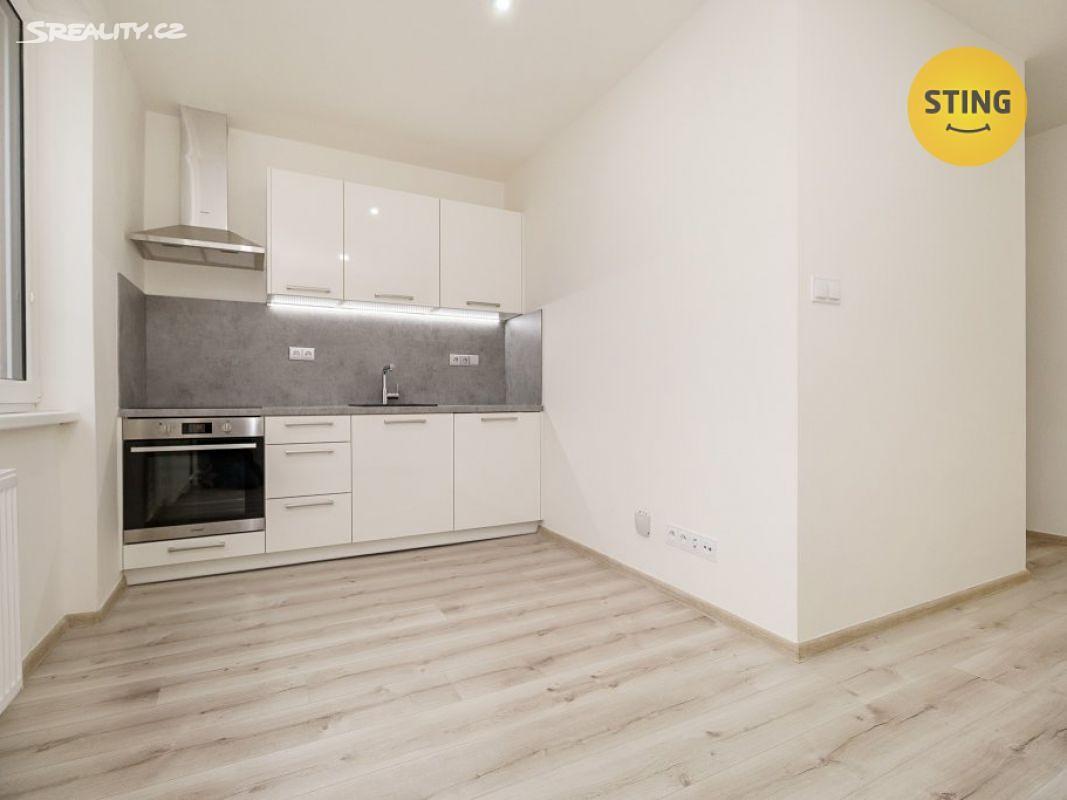 Prodej bytu 1+kk 19m², Panelová, Ostrava - Poruba