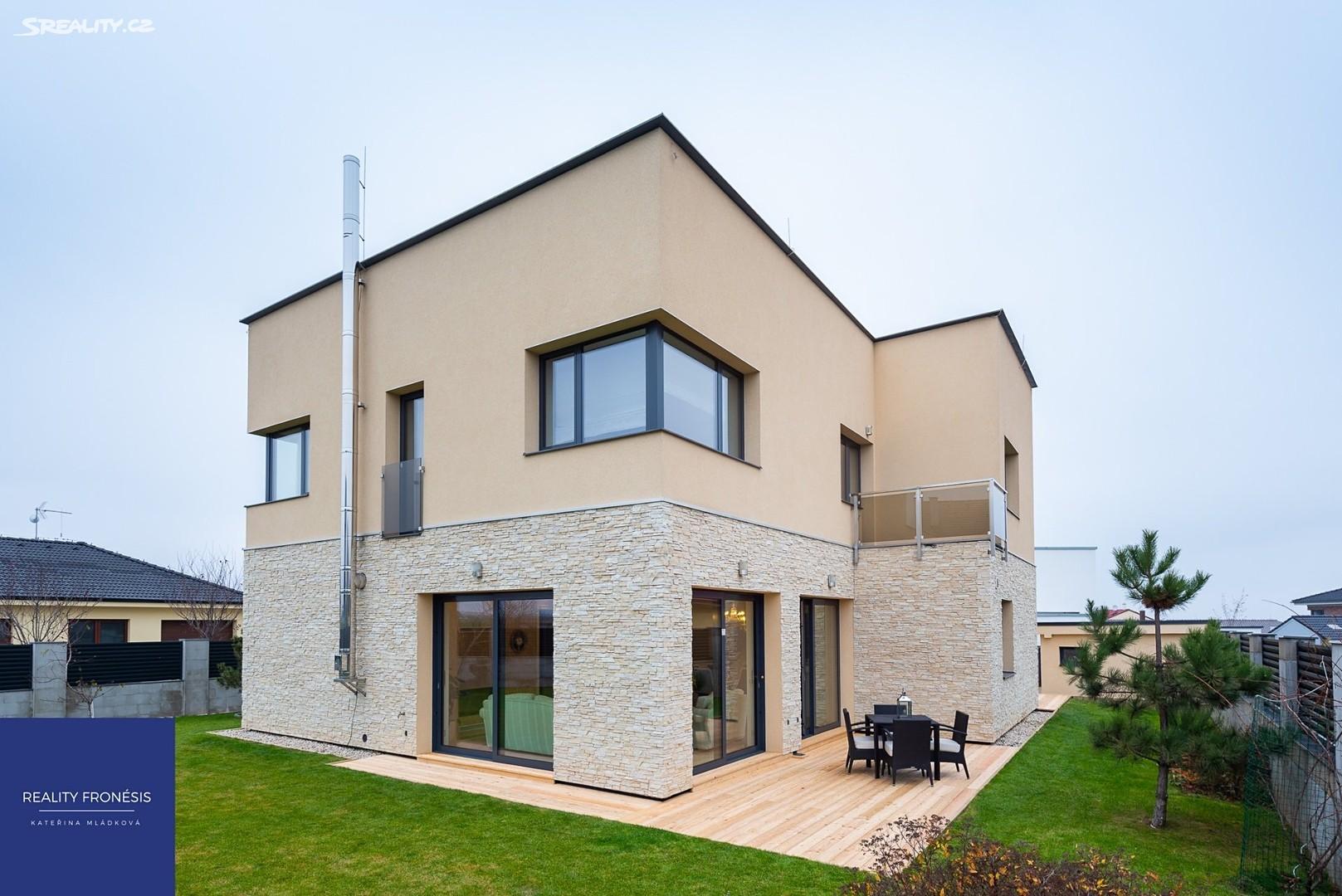 Pronájem  vily 424m², pozemek 780m², Na Vrbici, Jesenice - Osnice