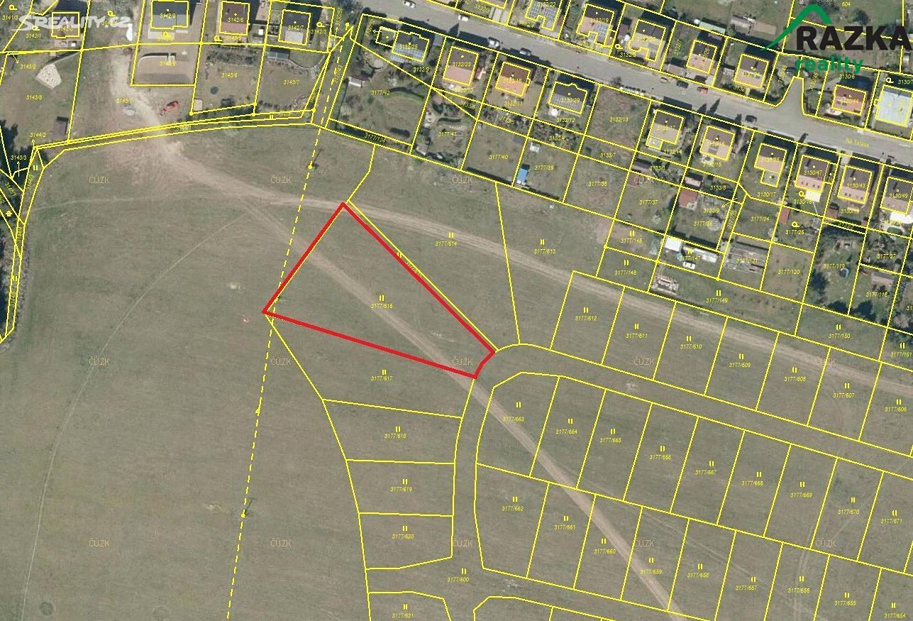 Prodej  stavebního pozemku 2374m², Tachov