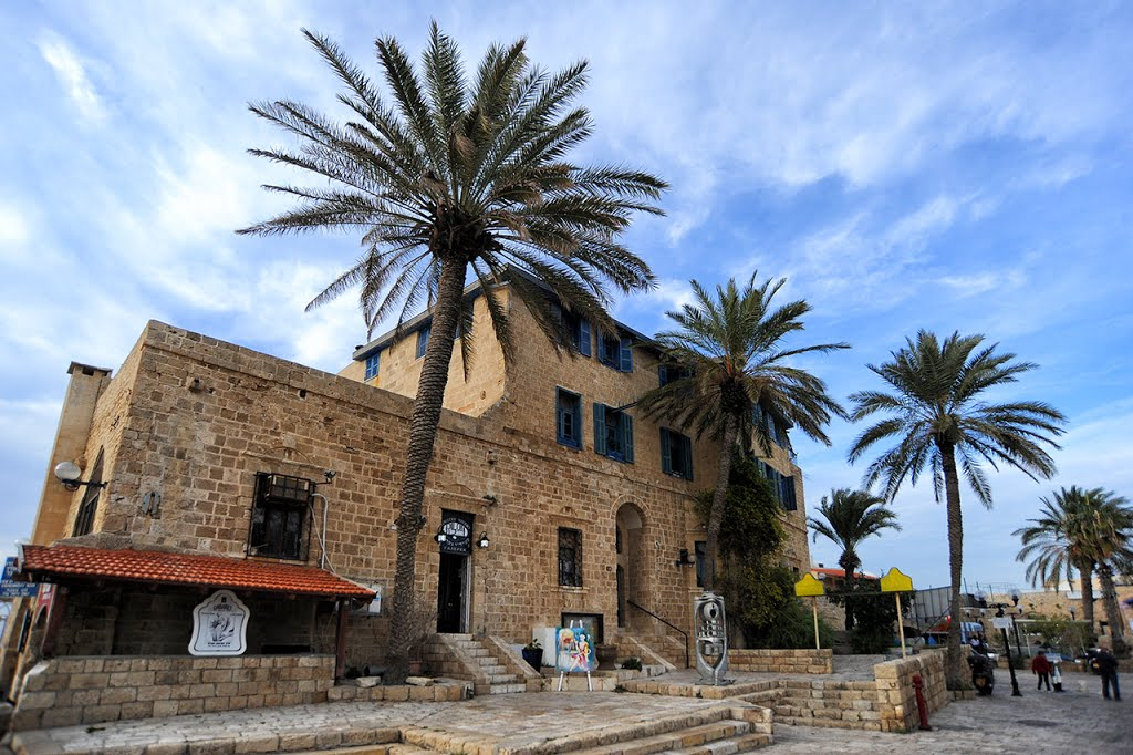 building in Jaffa 2014-01-28