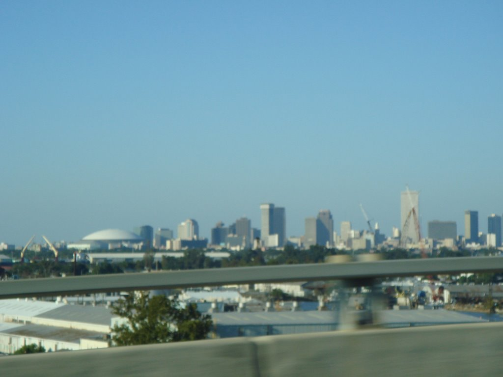 Cityscape of New Orleans CBD from the westbank