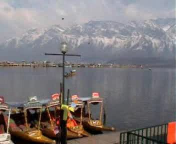 Beuty around the Dal Lake