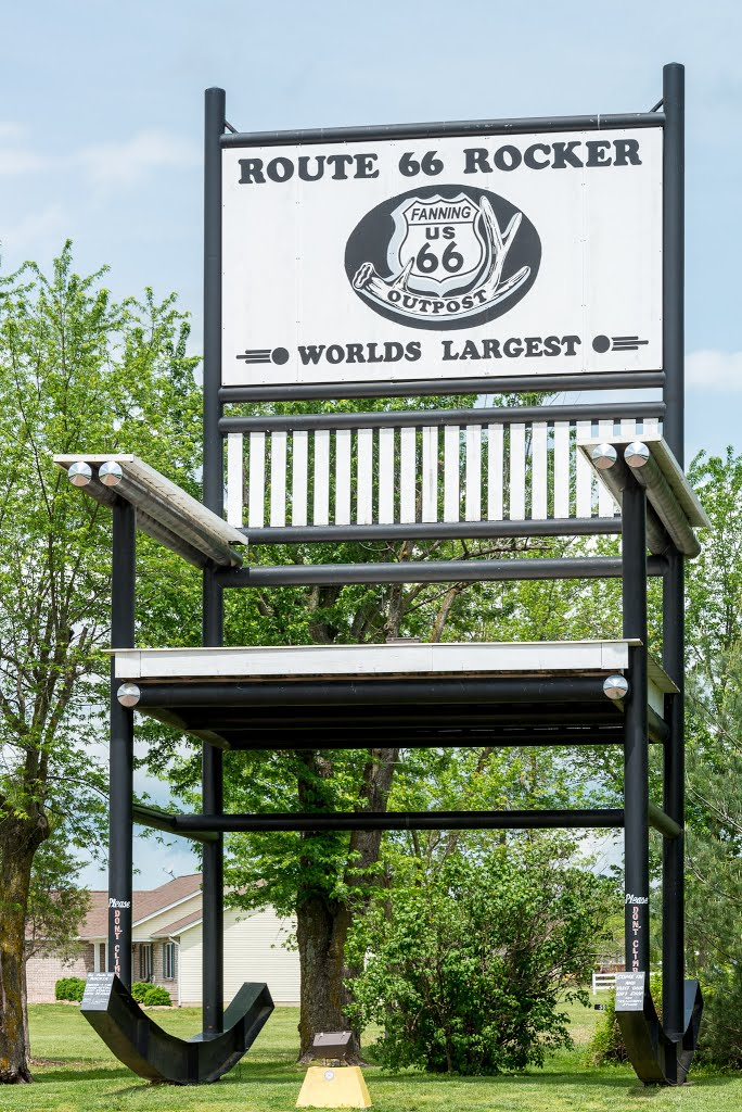 Pleasing Historic Route 66 Worlds Largest Rocking Chair At Fanning Alphanode Cool Chair Designs And Ideas Alphanodeonline
