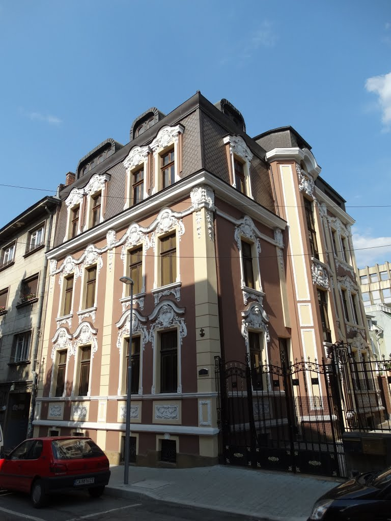 Building on Dunav St.