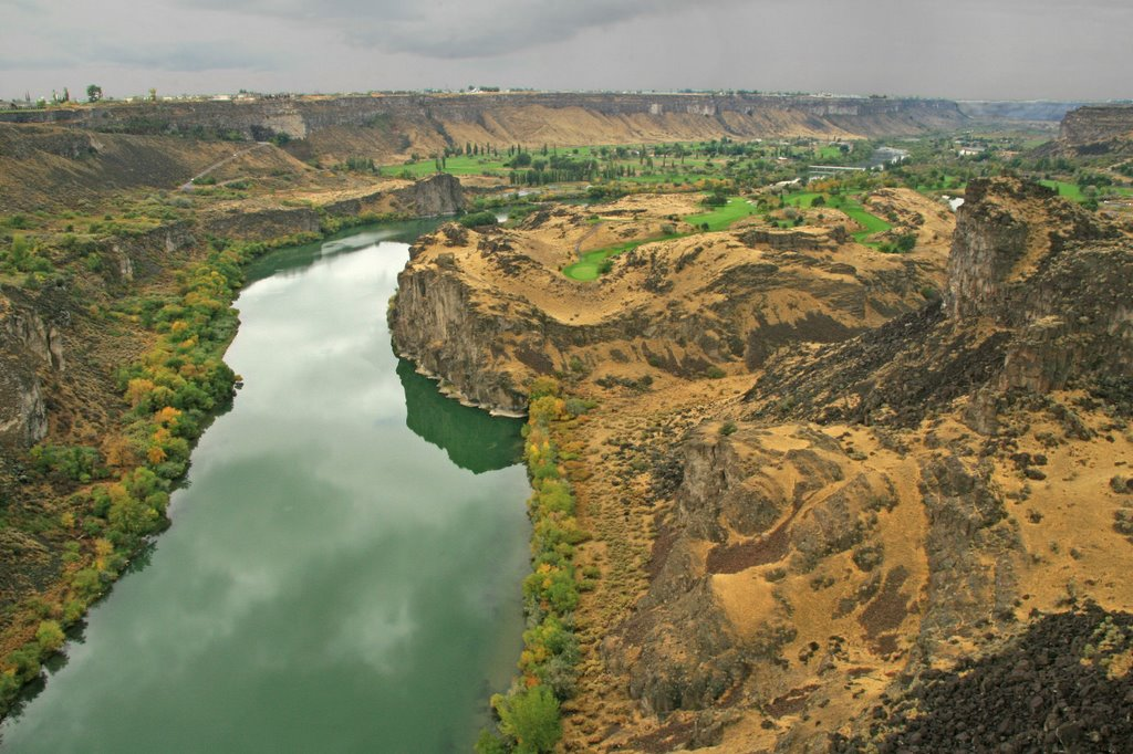 View of the Snake River from the Perrine Bridge ...10.04.08*.©.rc