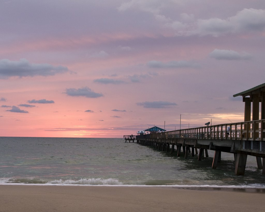 Commercial Blvd fishing pier at dawn