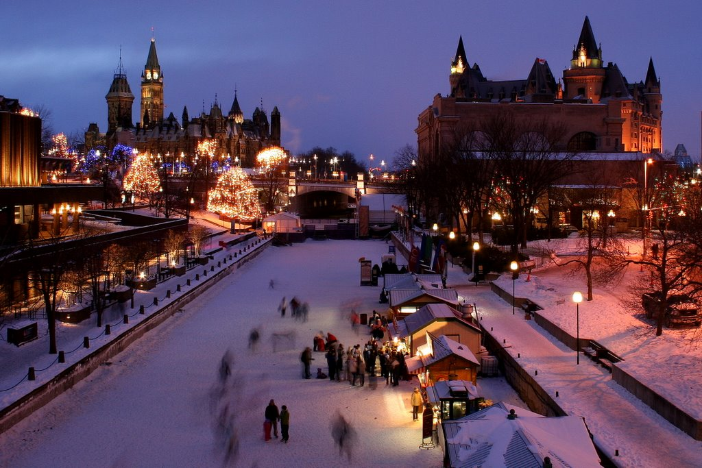 Winterlude on the Rideau Skateway at night