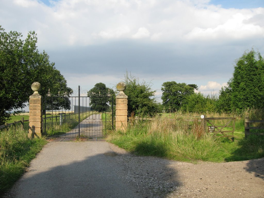 Looking towards Bretby Mill from near Bretby Hall