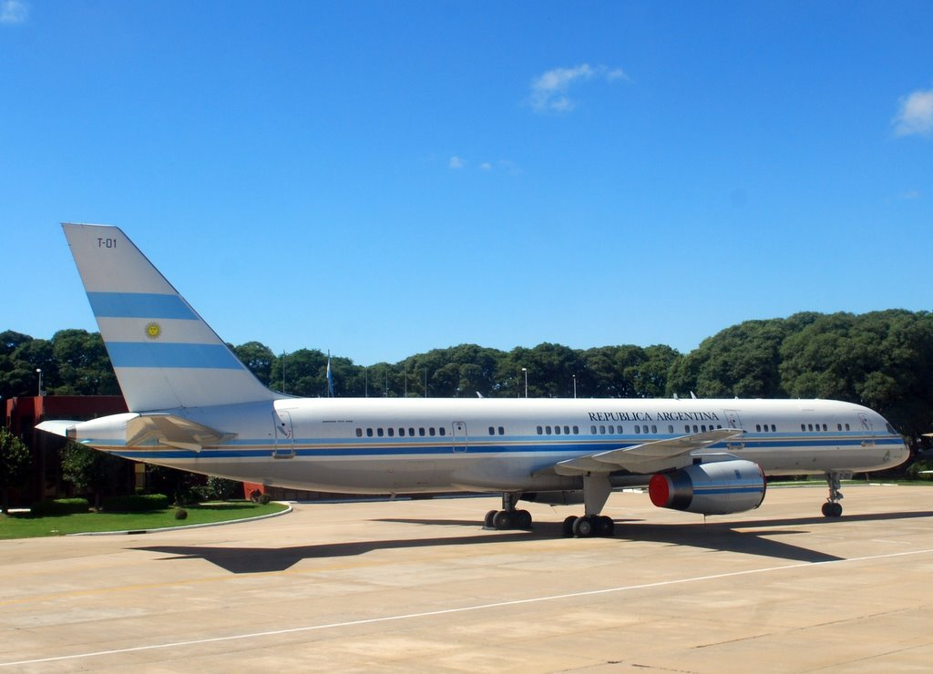 Presidential plane on Newbery Airport
