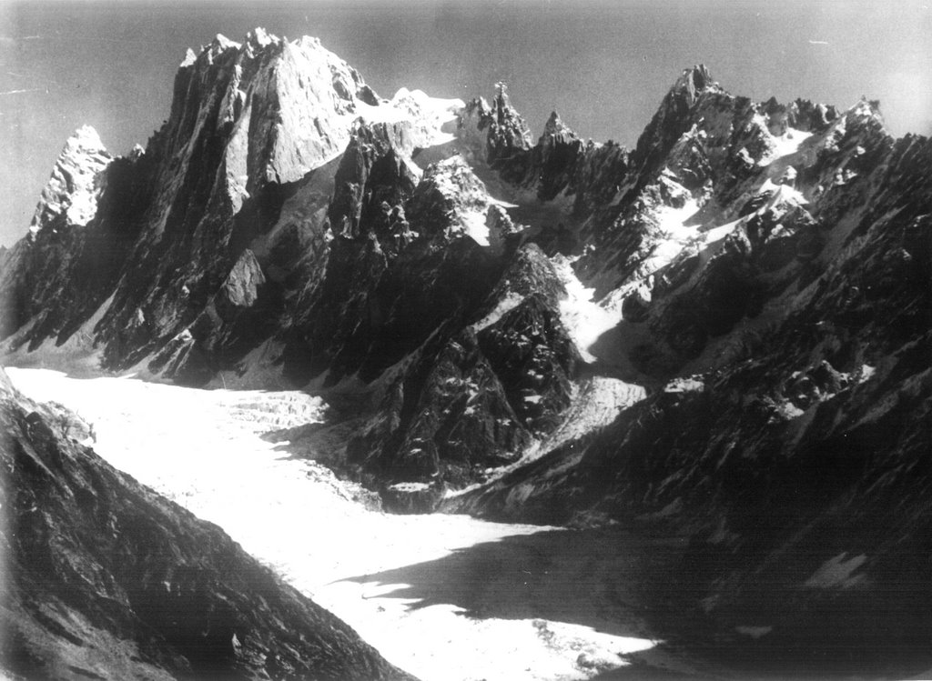Arjuna and glacier in Kijaj Nullach