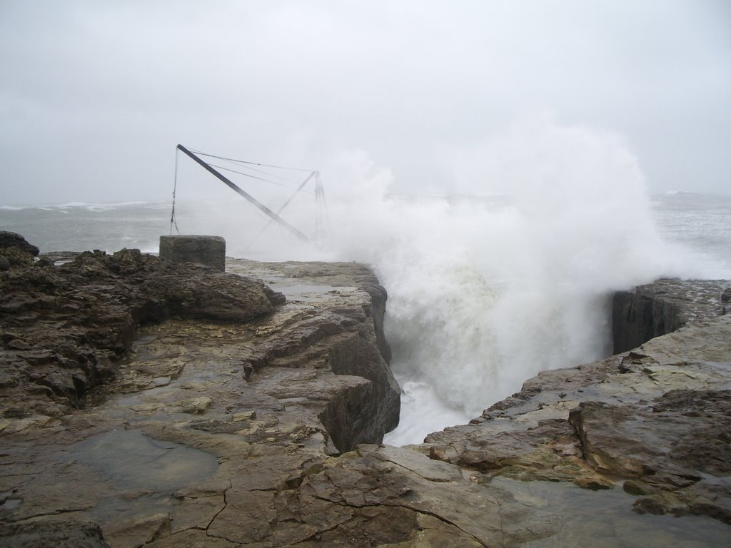rough sea at red crane