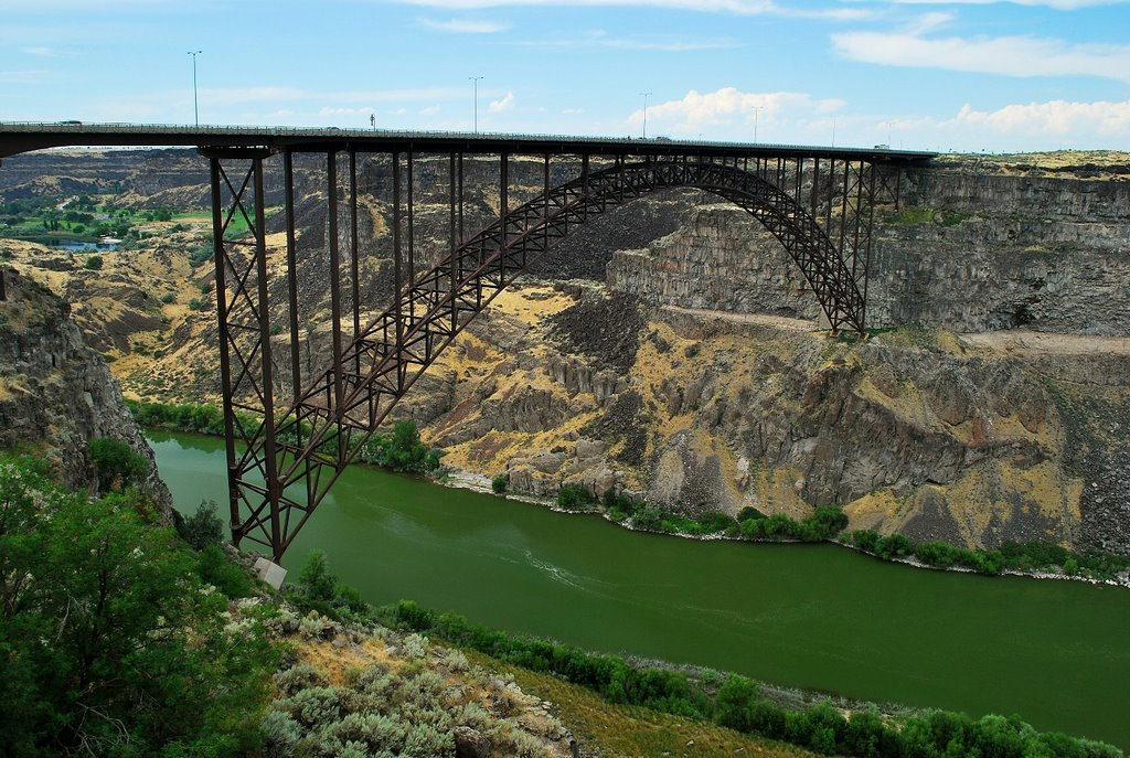 Highway 93 crossing the Snake River in Twin Falls, Idaho.