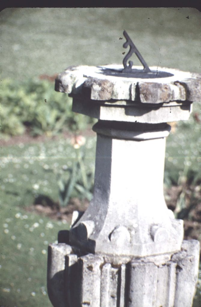 SUN DIAL IN  THE GROUNDS OF WALMER CASTLE