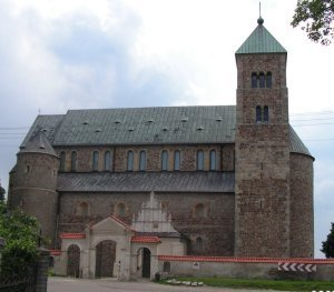Tum: place of first Polish Parlament before 825 years