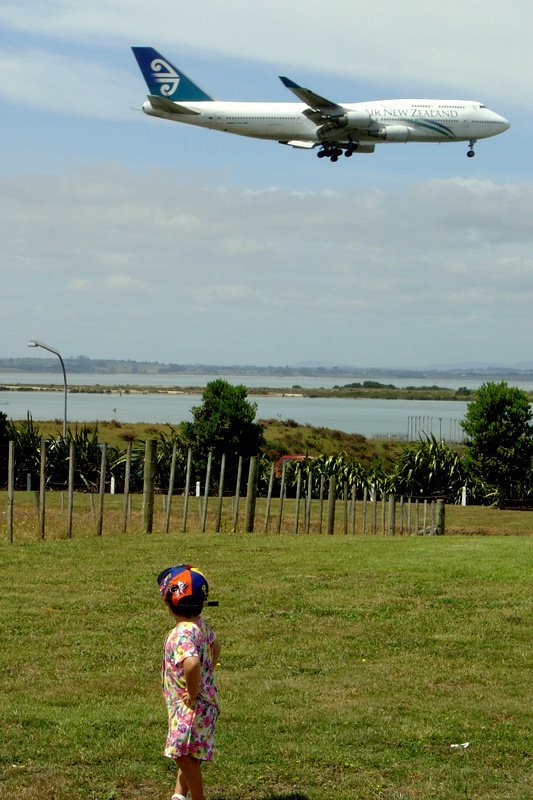 Auckland Airport - under the final approach