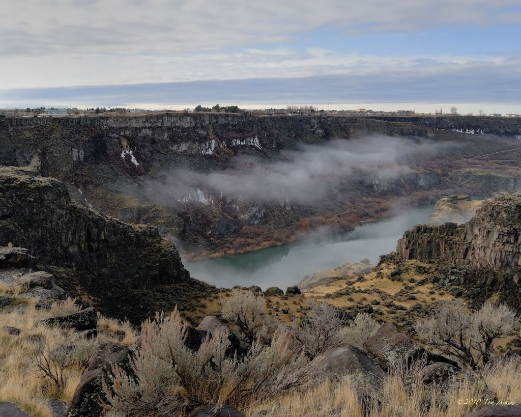 North Rim Snake River Canyon Overlook (Hwy 93) - Tom Askew