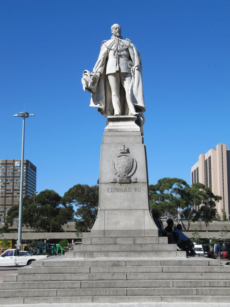 Statue of King Edward VII on the Grand Parade
