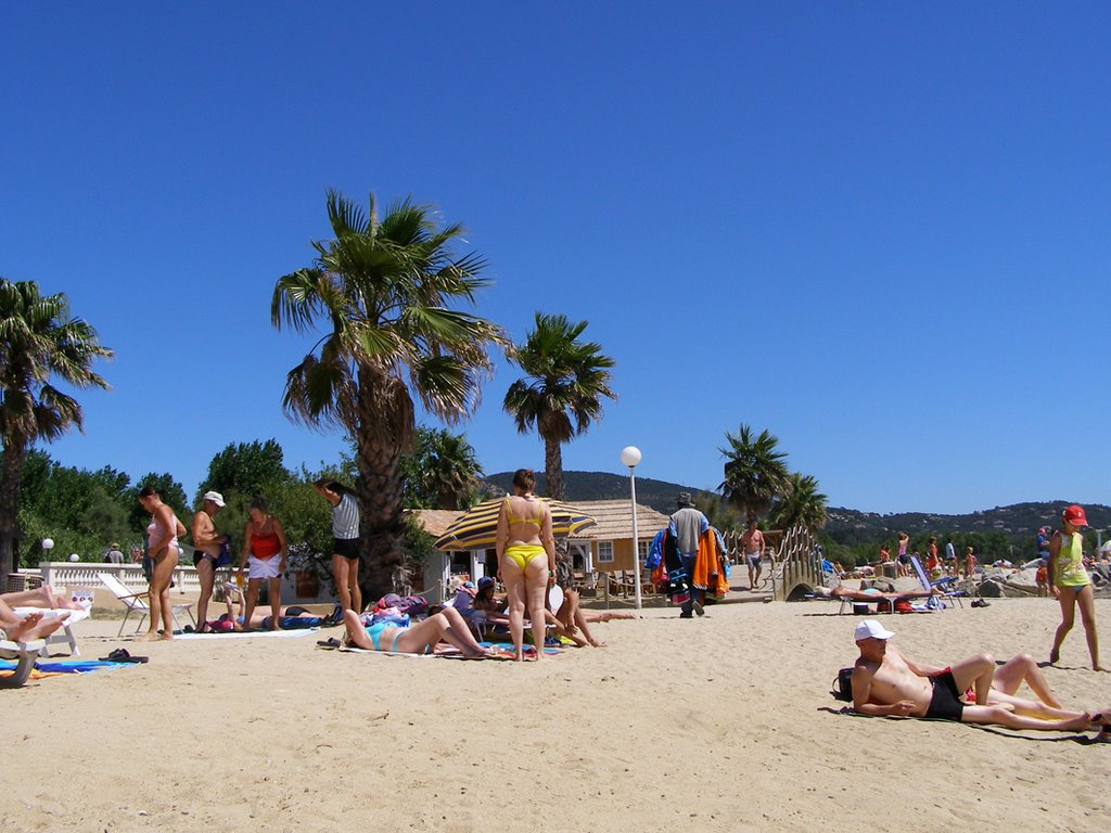 Beautifull blue sky's and warm Beaches at port Grimaud 2007