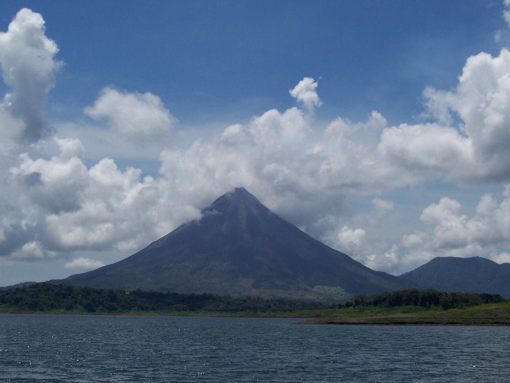 Arenal volcano from Lago Arenal
