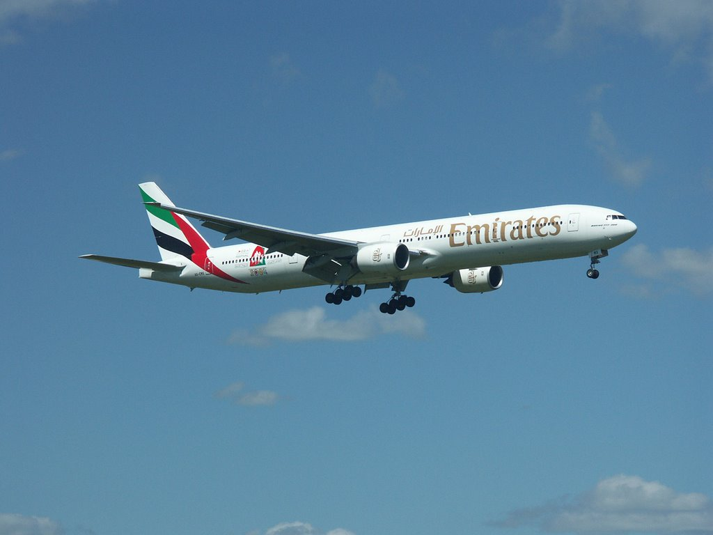 Emirates Boeing 777 about to land
