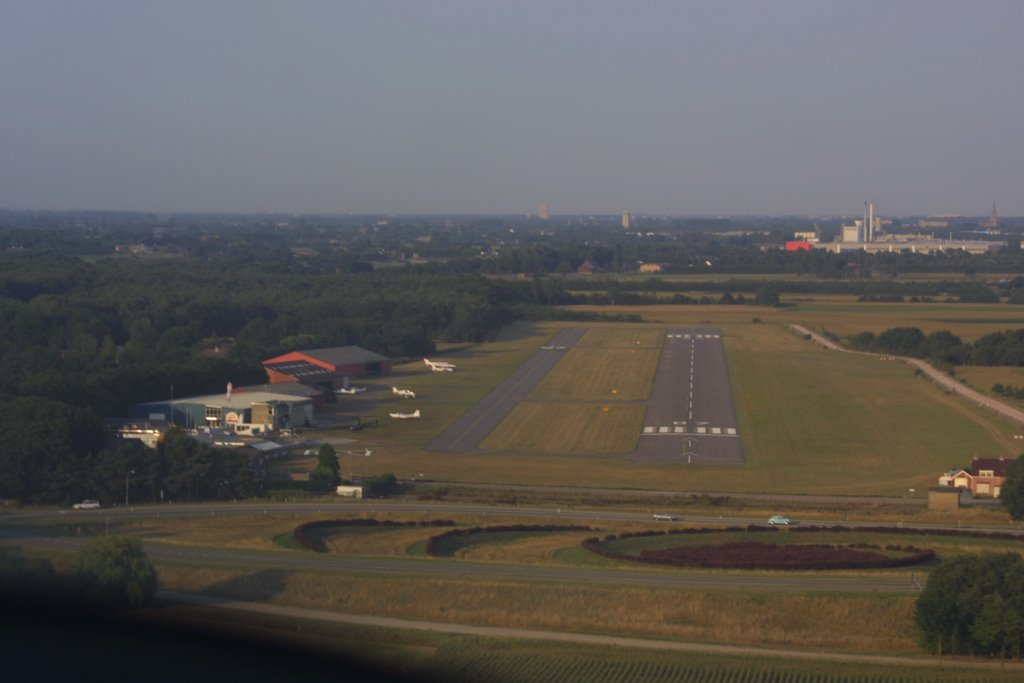 Final approach to Seppe Airfield (EHSE)