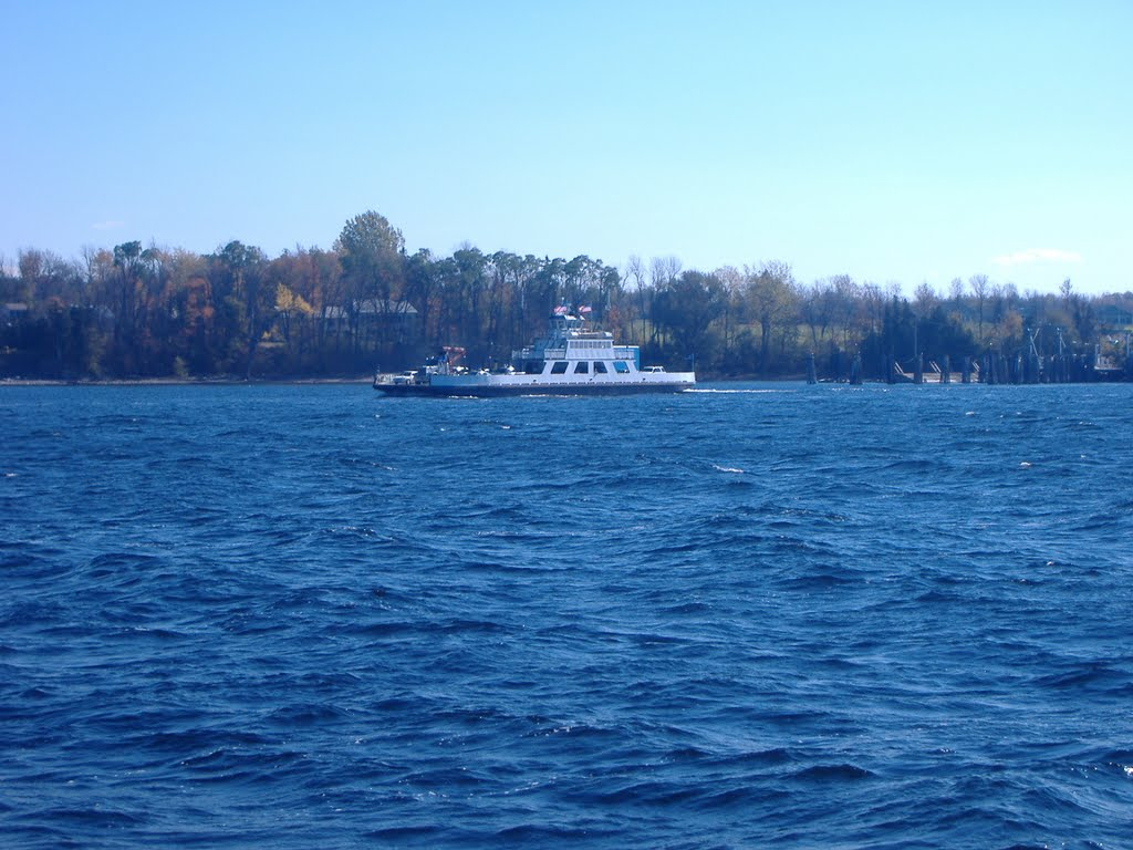 Ferry coming the opposite direction