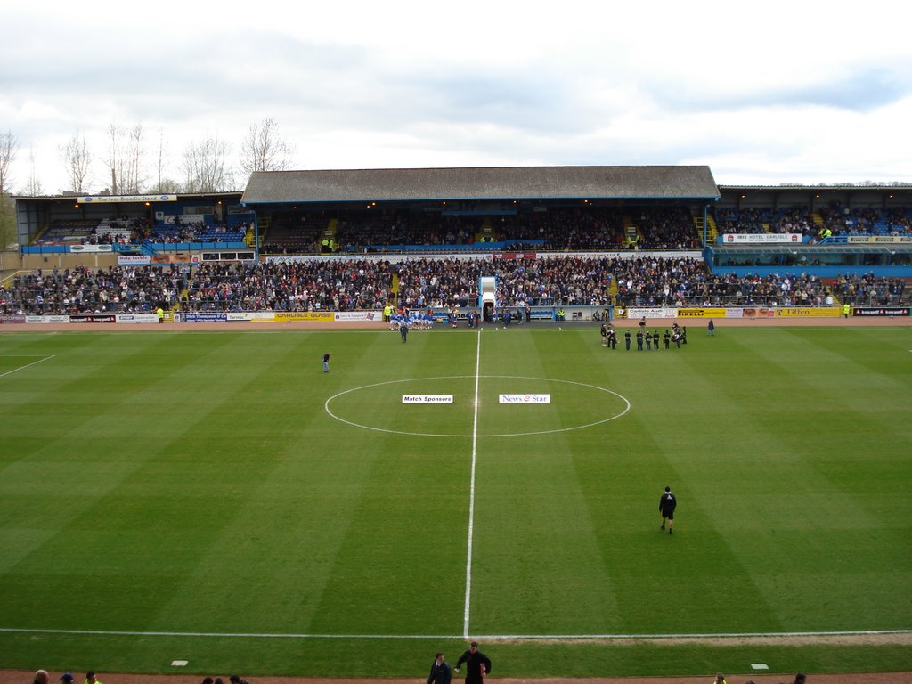 Waiting for kick off in the East Stand